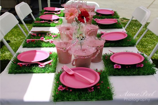 Fake Grass Decor table
