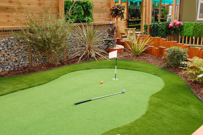 Fake Grass Golf Court
